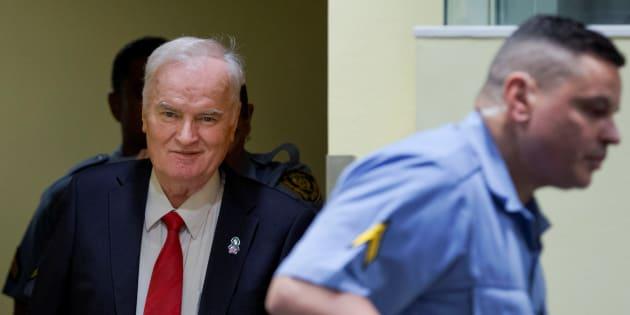 Ratko Mladic à son arrivée devant le tribunal pénal international spécial pour l'ex-Yougoslavie.