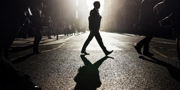Caminar a un ritmo medio, acelerado o rápido puede resultar beneficioso a largo plazo para la salud y la longevidad.