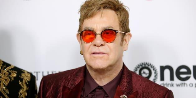 Elton John a passé deux jours en soins intensifs.