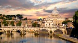13enne giù dalla tromba delle scale di una scuola a Roma. Gli amici: