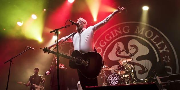 Le chanteur de Flogging Molly, Dave King, lors d'un spectacle à Berlin en février dernier.