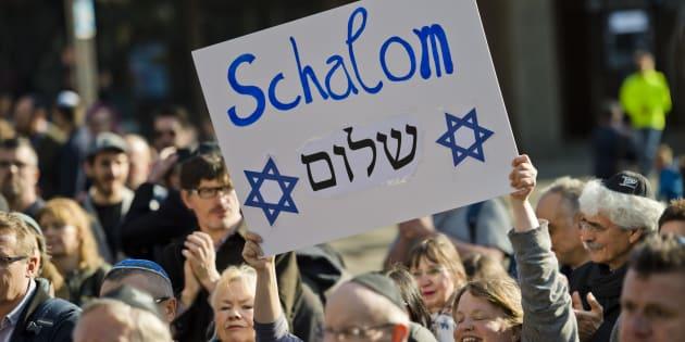 Manifestación contra el antisemitismo en Colonia, en abril, tras el ataque a unos jóvenes con kipá judía.