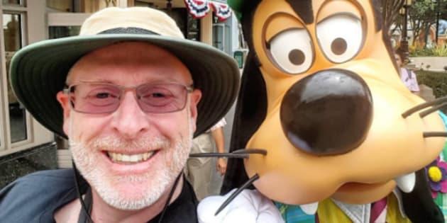 Cet homme a visité Disneyland 2024 jours d'affilée. Voici ses secrets.
