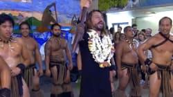 Bob Sinclar s'essaie au haka à Tahiti (et c'est pas trop