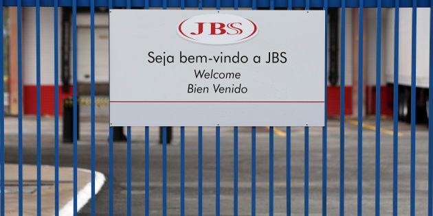 Donos da JBS violaram leis e tiveram relação promíscua com governos.