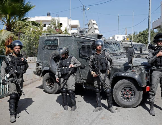 Gunman kills 3 Israeli guards at West Bank