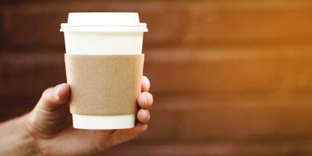 Pour mieux recycler les gobelets jetables, des députés britanniques veulent les taxer
