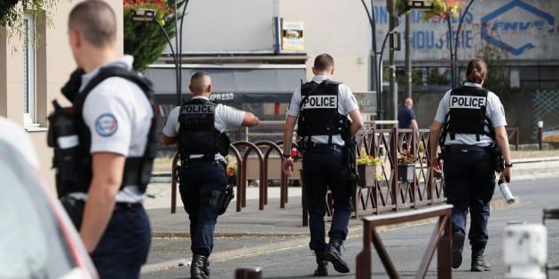 Ce que l'on sait des projets d'attentat des hommes arrêtés à Villejuif