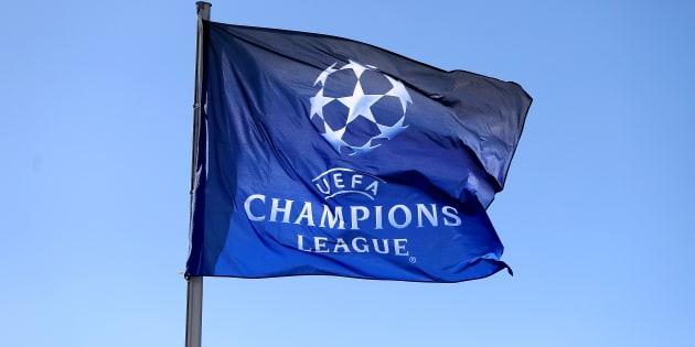 Una vista general de una bandera de la UEFA Champions League antes de la final de la UEFA Champions League en el NSK Olimpiyskiy Stadium, Kiev.