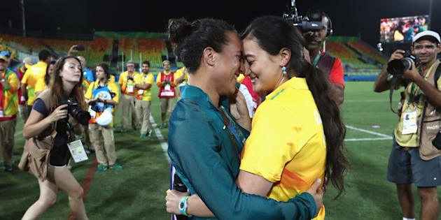 She proposed after the Australian women's rugby sevens team defeated New Zealand.