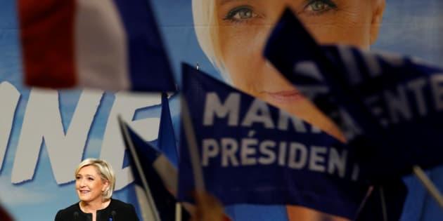 Que reste-t-il du programme de Marine Le Pen sans la sortie de l'Union européenne et de l'euro?