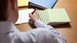 Un profesor de Sevilla arrasa con sus notas alternativas a sus alumnos de 9