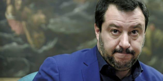 Matteo Salvini è solo: forte, fortissimo ma solo