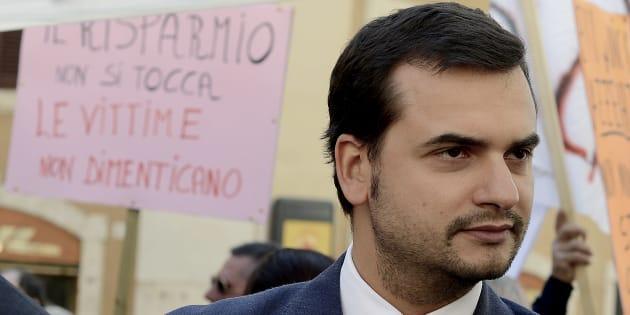 Carlo Sibilia rinviato a giudizio per l'elettrodotto a Villanova