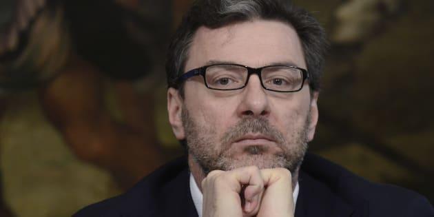 Giancarlo Giorgetti ha assunto Il figlio di Paolo Arata a Pa