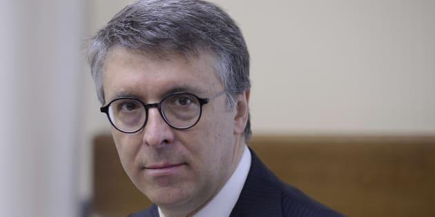 Cantone,onda lunga scandali non si ferma