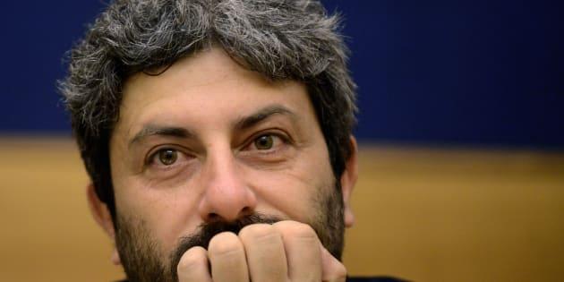 Roberto Fico riflette ancora se candidarsi o no contro Luigi Di Maio