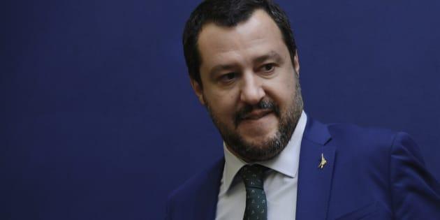 """Matteo Salvini: """"Lo spread me lo curo io, mangio pane e"""