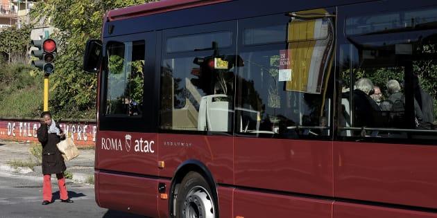 Roma, 70 bus arrivati da Israele sono inutilizzabili