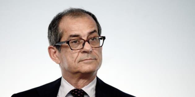 Flat tax: Tria annuncia le novità in attesa del decreto fiscale definitivo