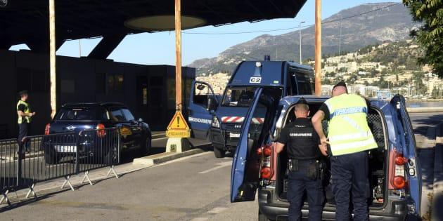 Dà un passaggio a due migranti irregolari con BlaBlaCar, condannato