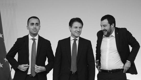 DALLA MANINA AL REFUSO - Nella nuova bozza del dl fiscale rimane lo scudo estero (di P. Salvatori e G.