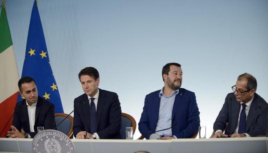MANOVRA CON KIT DI PRONTO INTERVENTO - Se lo spread va fuori controllo, il governo potrebbe diluire temporalmente reddito di...