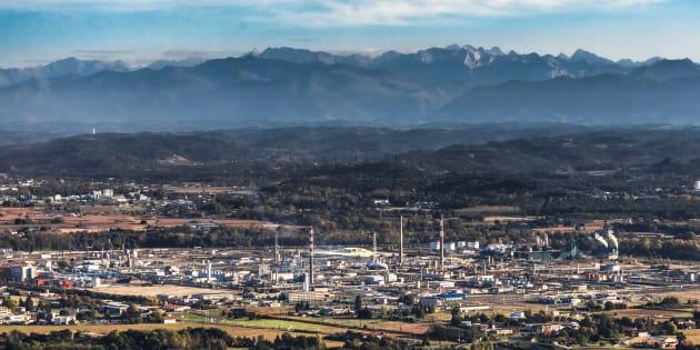Vue aérienne du gisement de Lacq, dans les Pyrénées Atlantiques