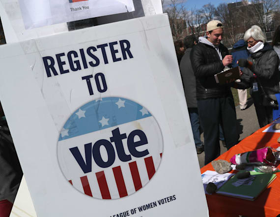 Thousands register to vote at US anti-gun marches