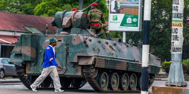 Tensión en Zimbabue: Disparan cerca de residencia del presidente Mugabe