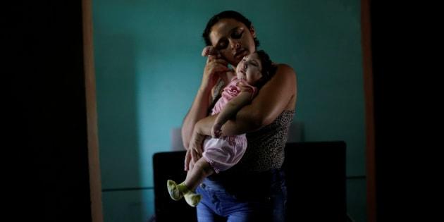 Cientistas da Fundação Oswaldo Cruz (Fiocruz) em Pernambuco descobriram substância que pode bloquear o vírus Zika.