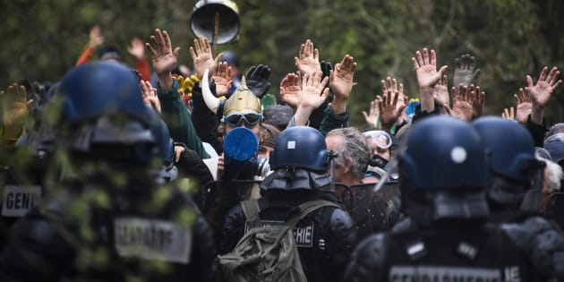 A Notre-Dame-des-Landes, affrontements en marge d'un rassemblement en soutien aux zadistes.