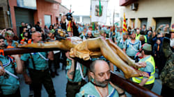 La presencia de La Legión en la procesión del Cristo de la Buena Muerte tensa