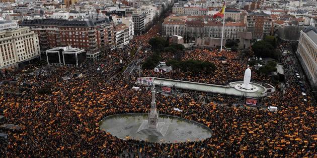 A migliaia a Madrid contro Sanchez