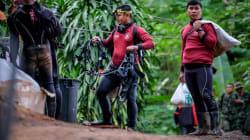Un sauveteur décède en apportant de l'oxygène aux enfants coincés dans la grotte en