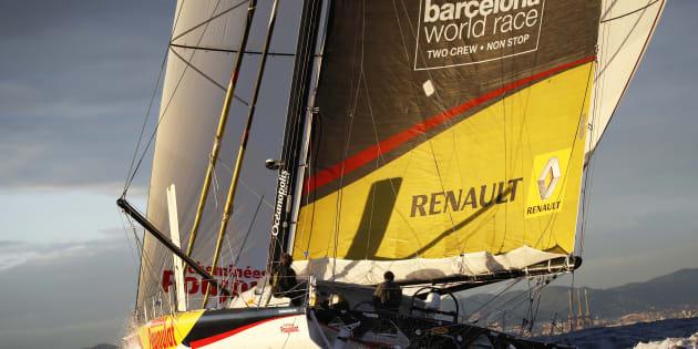 Uno de los barcos de la World Race, a su llegada al puerto de Barcelona en 2015.