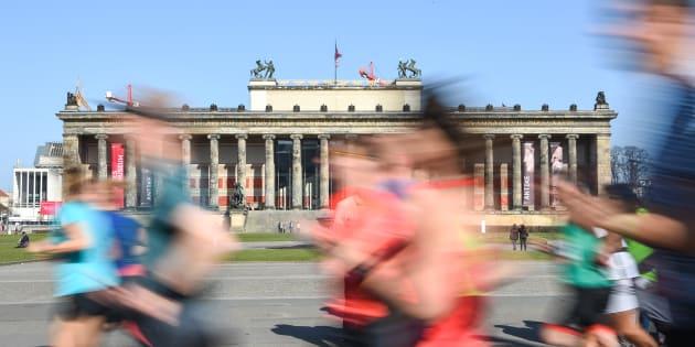 Des coureurs au semi-marathon de Berlin le 8 avril 2018.