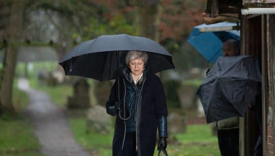 I TIMORI DI THERESA - Brexit nelle mani del Parlamento. May: