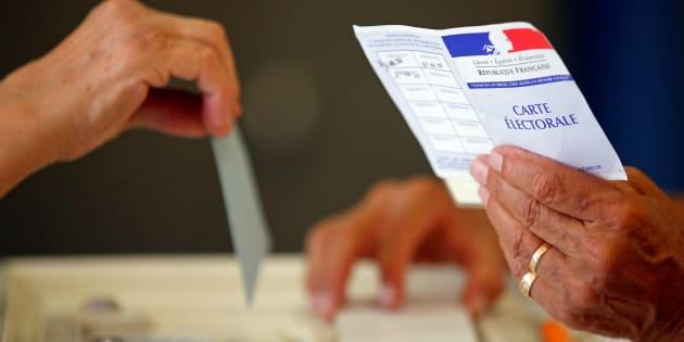 Le projet de loi pour moins de députés et une dose de proportionnelle arrivera dès 2018