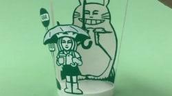 スタバのカップが「となりのトトロ」に大変身(動画)
