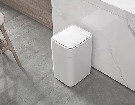 This smart trash can does all of the dirty work