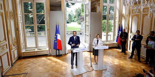 Le Premier ministre Edouard Philippe et la Ministre du travail Muriel Penicaud présentent les ordonnances sur le travail à Matignon, le 31 août 2017.