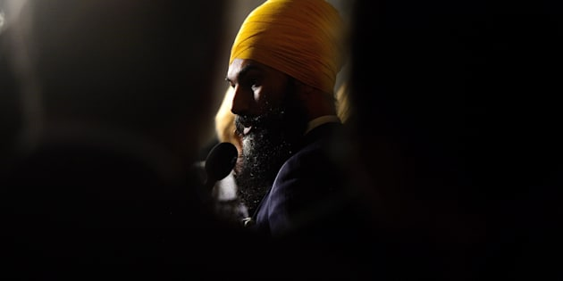 NDP Leader Jagmeet Singh speaks to reporters in the foyer of the House of Commons on Oct. 4, 2017.
