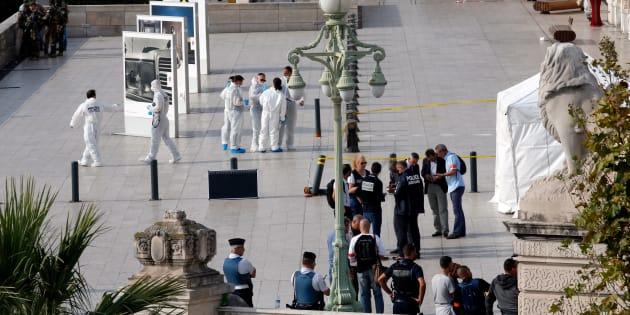 La police enquête à la gare Saint-Charles de Marseille après l'attaque au couteau perpétré dimanche 1er octobre.