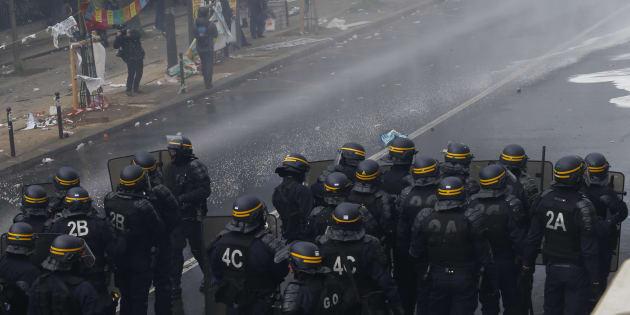 Après un 1er mai marqué par les Black Blocs, osons déployer l'arsenal policier et judiciaire digne de ce nom.