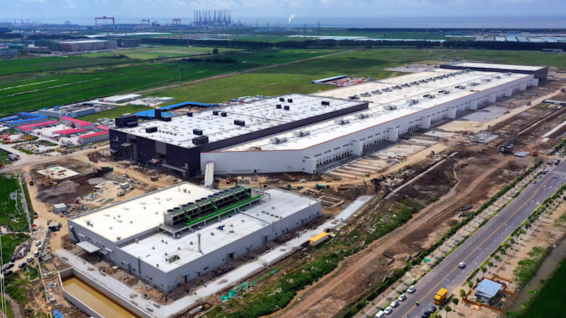 Tesla plans to start production in Shanghai this month