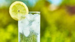 Água com gás hidrata tanto quanto a água
