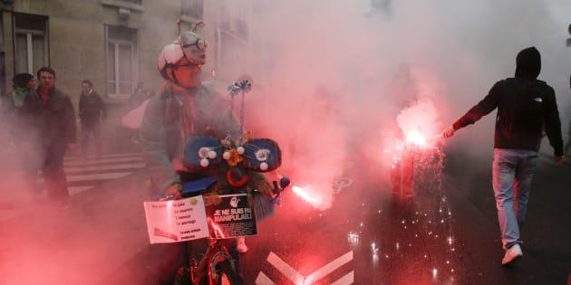 Des manifestants durant une mobilisation des syndicats contre la Loi Travail,  le 2 juin 2016.