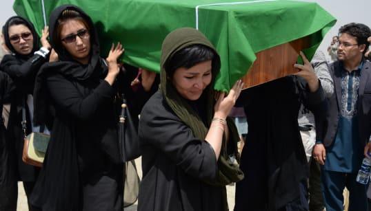 SFIDA ISIS AI TALEBANI - Una mattanza senza fine. Bandiera nera sul mattatoio-Afghanistan (di U. De