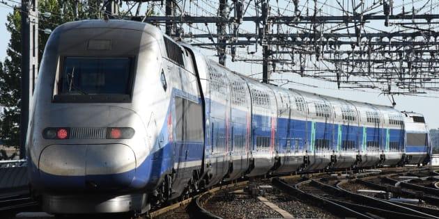 Le TGV qui inaugurait la nouvelle ligne LGV Paris-Bordeaux est arrivé avec 5 heures de retard.